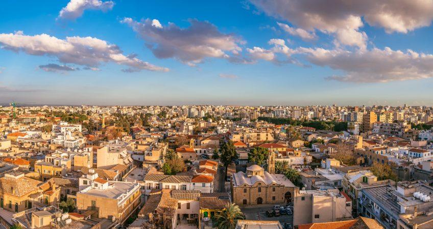 Паспорт Кипра через инвестиции CYWORLD Русскоязычный адвокат на Кипре